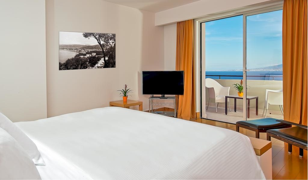 Executive King Room with Sea View 4-min