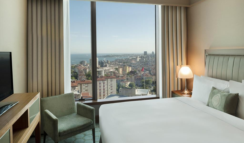 Corner Suite Bosphorus View With Lounge Access 2-min