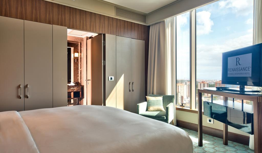 Junior Suite Bosphorus View With Lounge Access 4-min