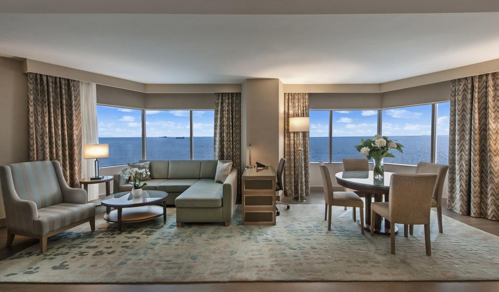 Ocean Suite with Sea View and Lounge Access 3-min