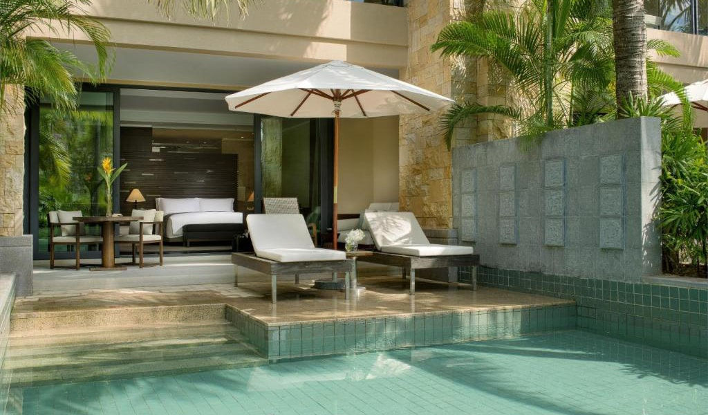 Private-Pool-Room-with-pool-access-2-min