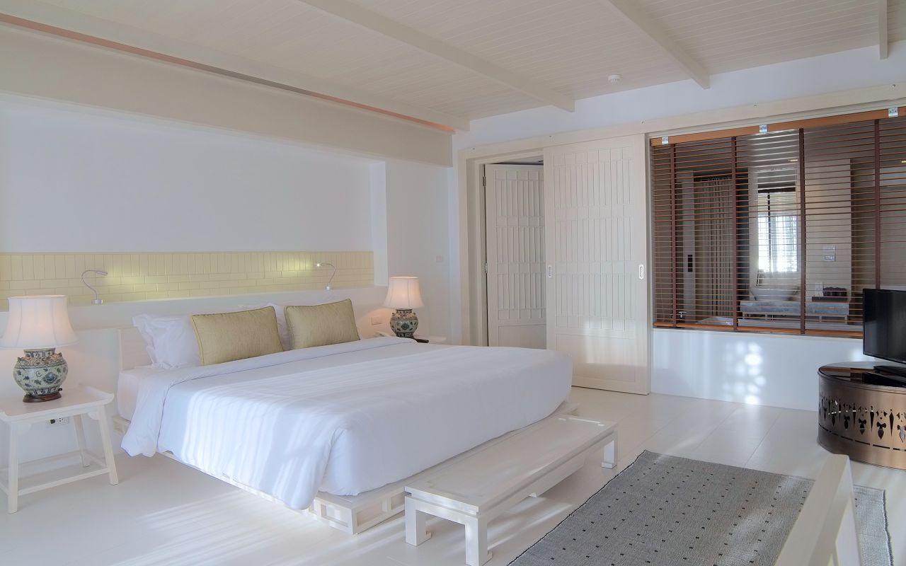 00028 - Beachfront Suite