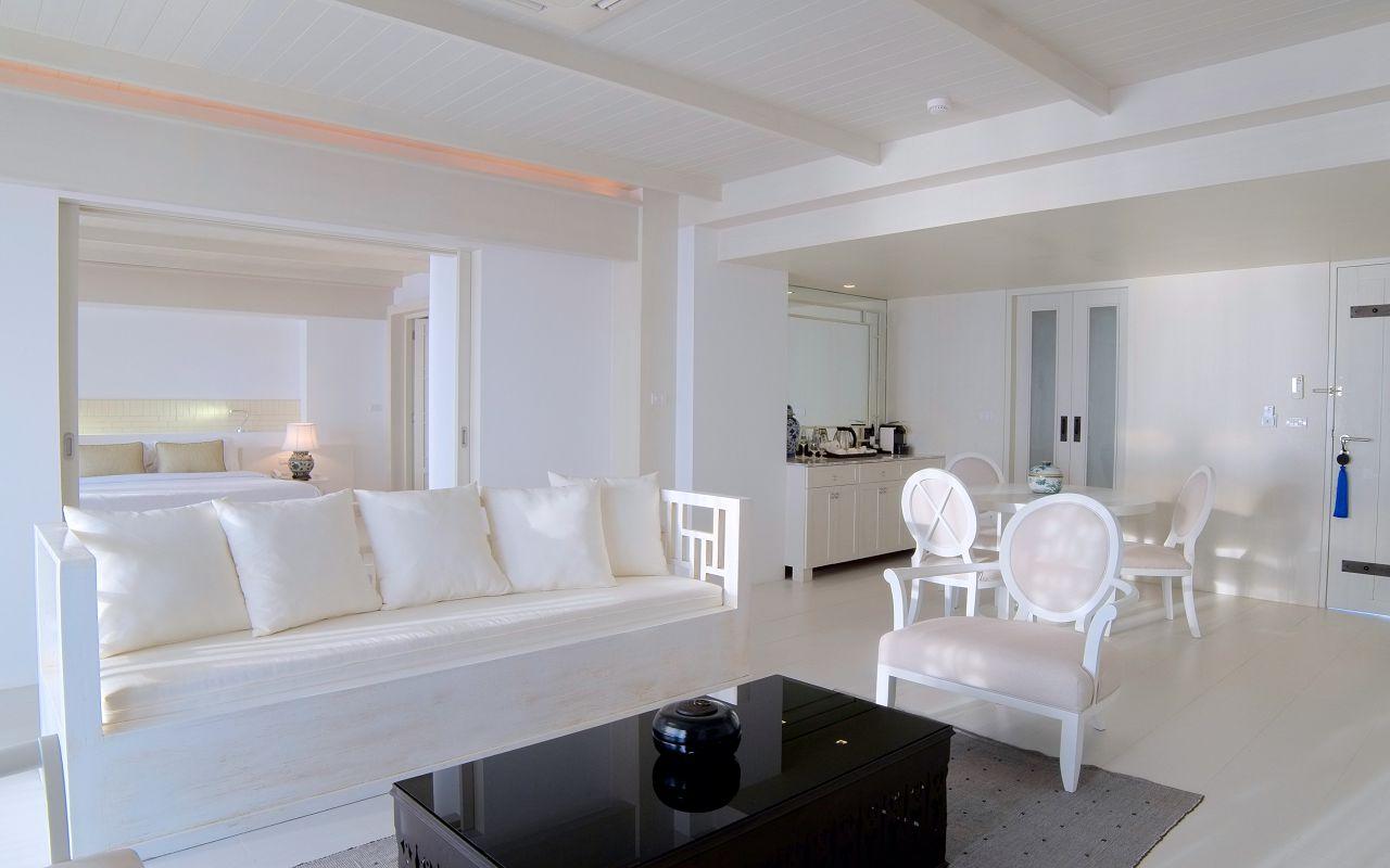 00029 - Beachfront Suite