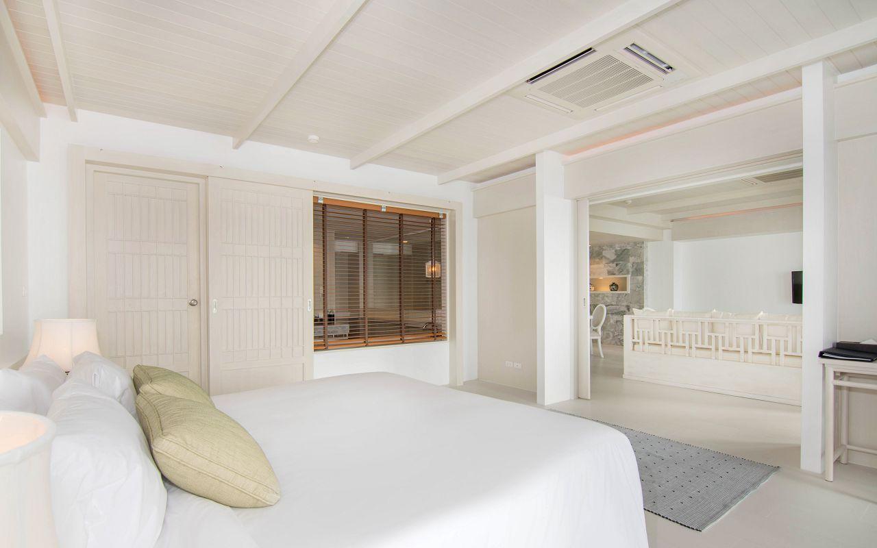 00030 - Beachfront Suite