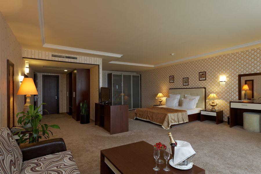 007-junior suite