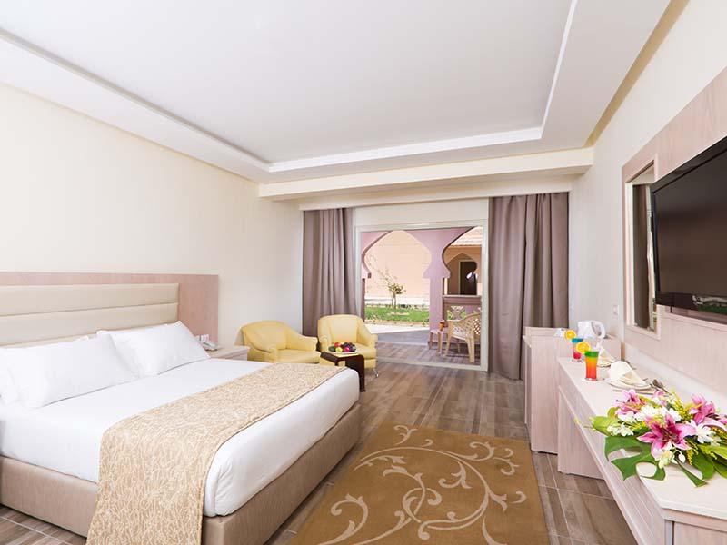 01 - Standard Room King Bed