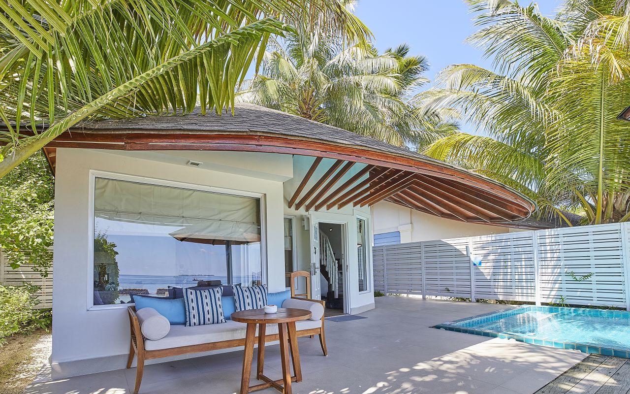 05-06-luxury-beachfront-pool-villa-10