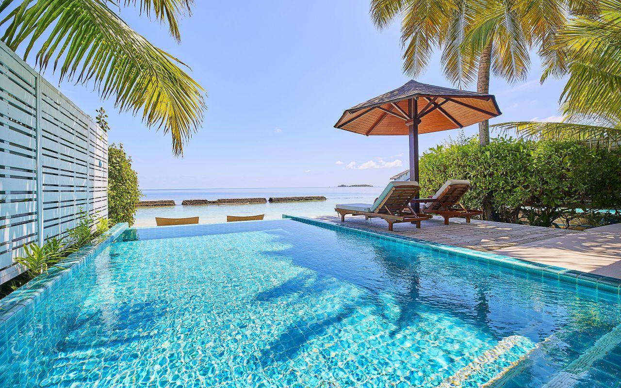 05-06-luxury-beachfront-pool-villa-11