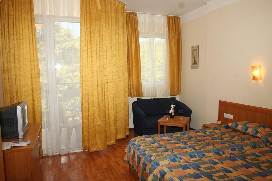 06_4_hotel_room (3)