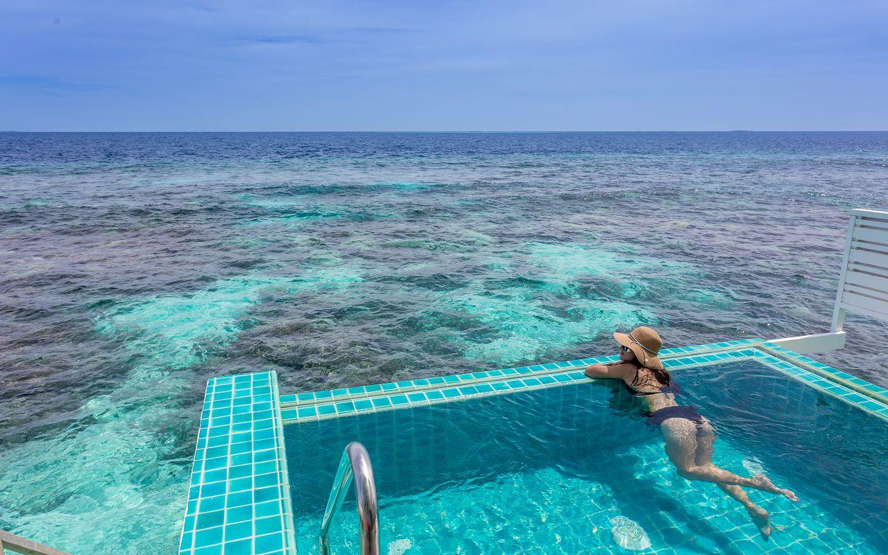 07-sunset-ocean-pool-villa-07
