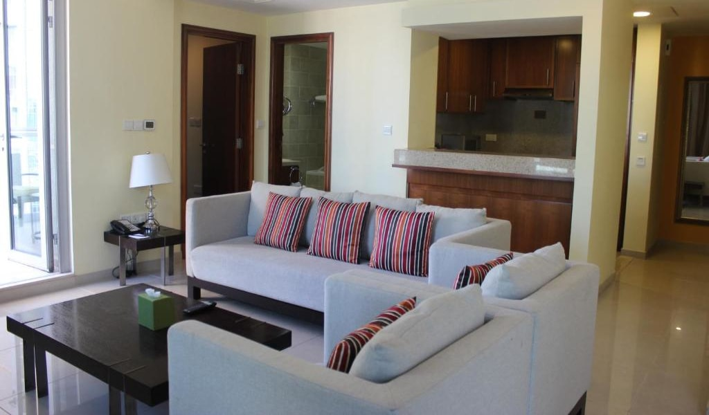 1 Bedroom Suite Fountain View-min
