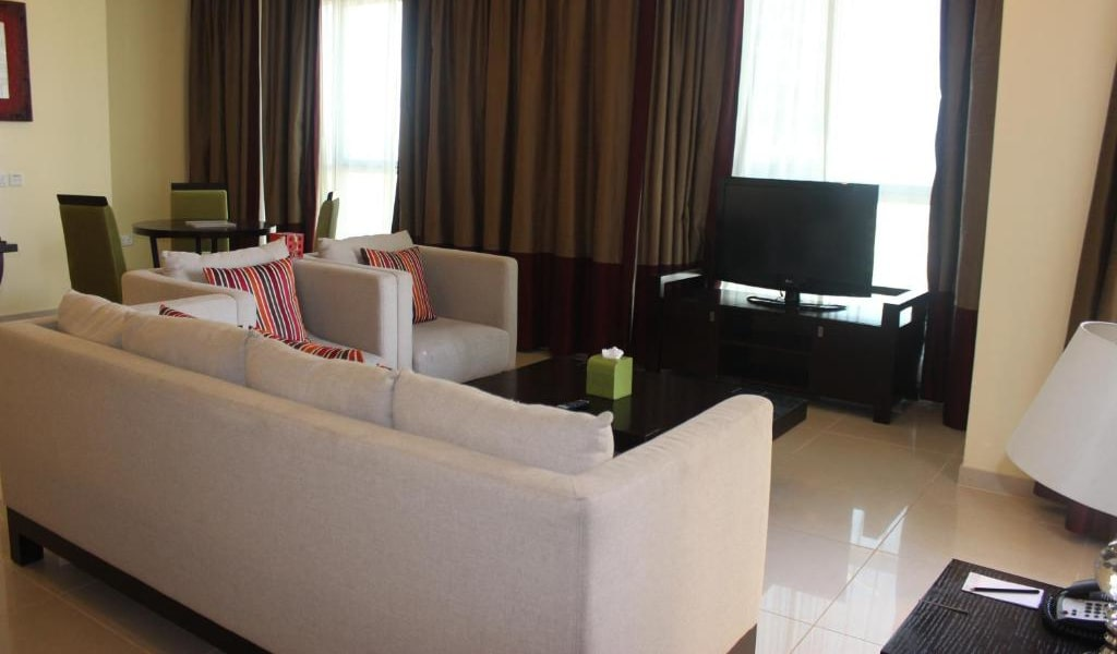 1 Bedroom Suite Fountain View2-min