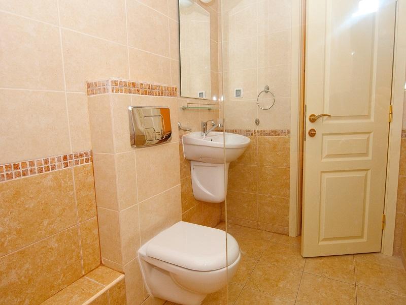 1-bed bathroom