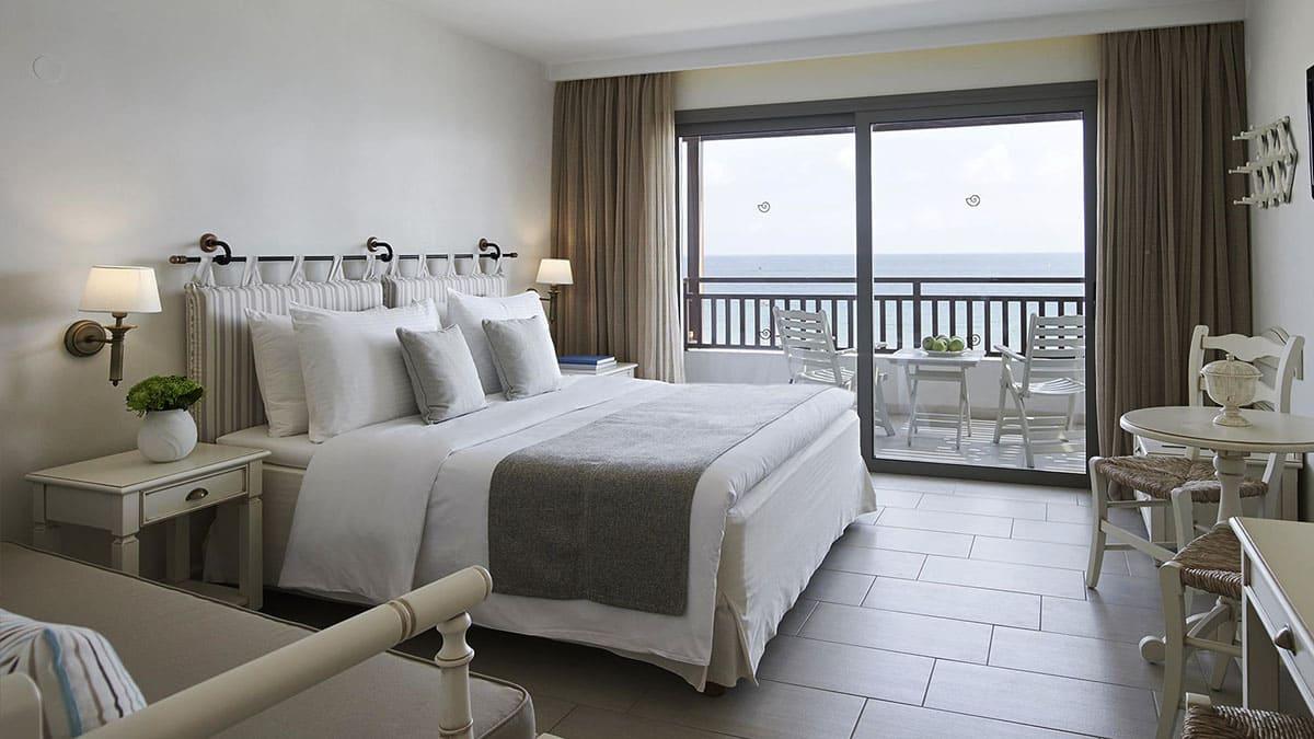 10.-Deluxe-Sea-View-Room-Creta Maris
