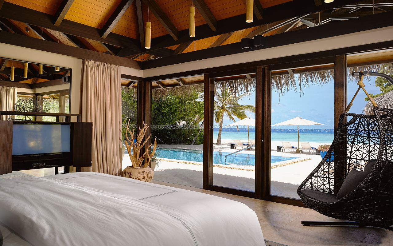 12 - Deluxe Beach Pool Villa - Bedroom