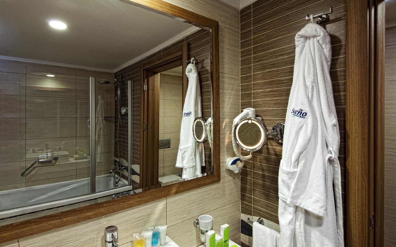 13 SHGB_Standart_Bathroom-min