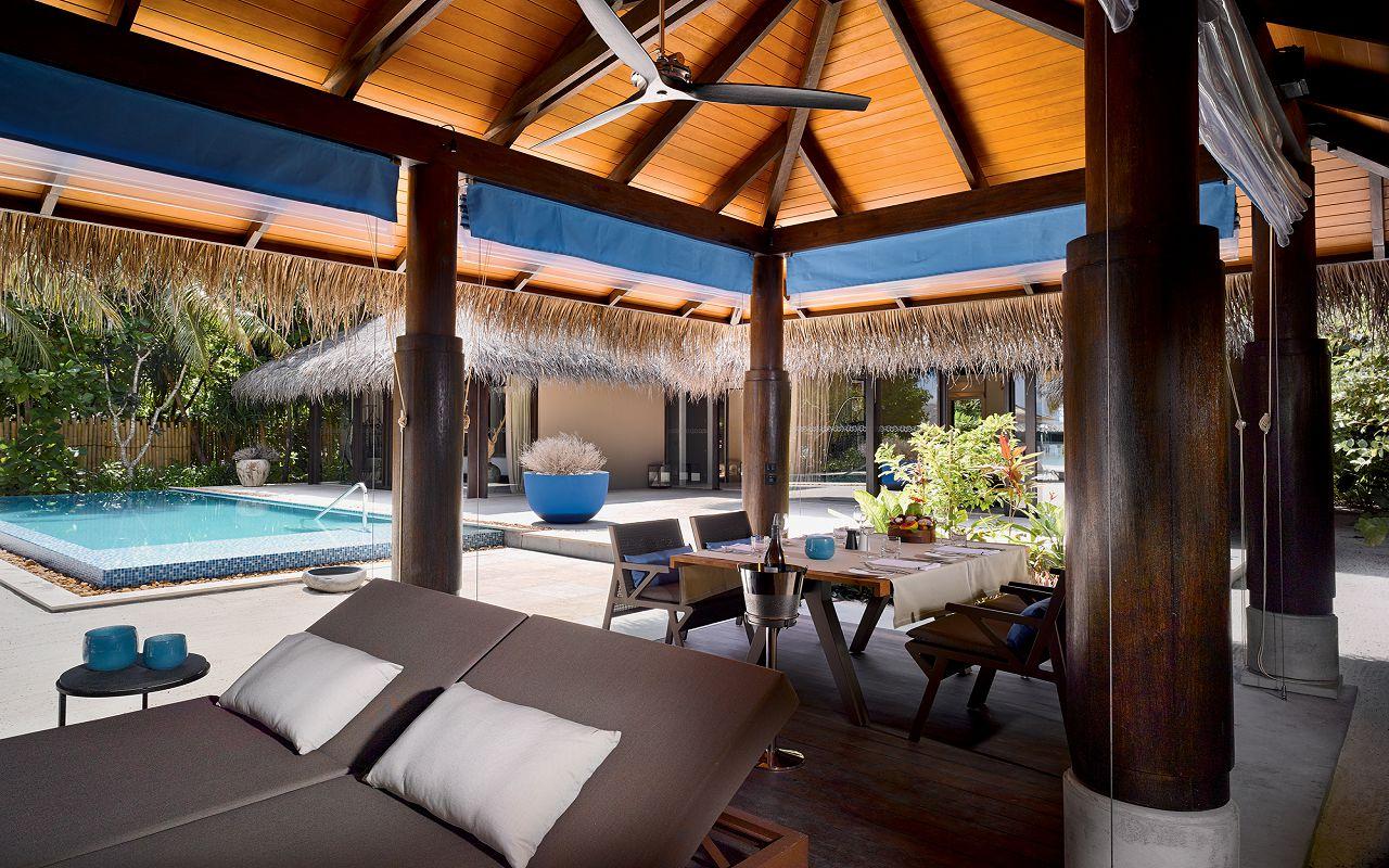 14- Deluxe Beach Pool Villa - Outfoor Area