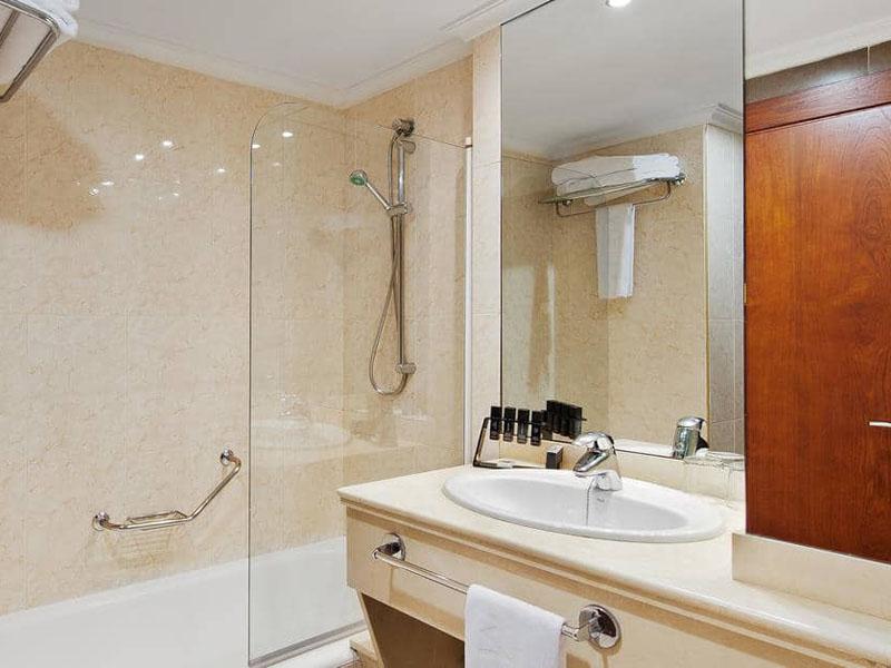 14aMeliaAlicante-Bathroom
