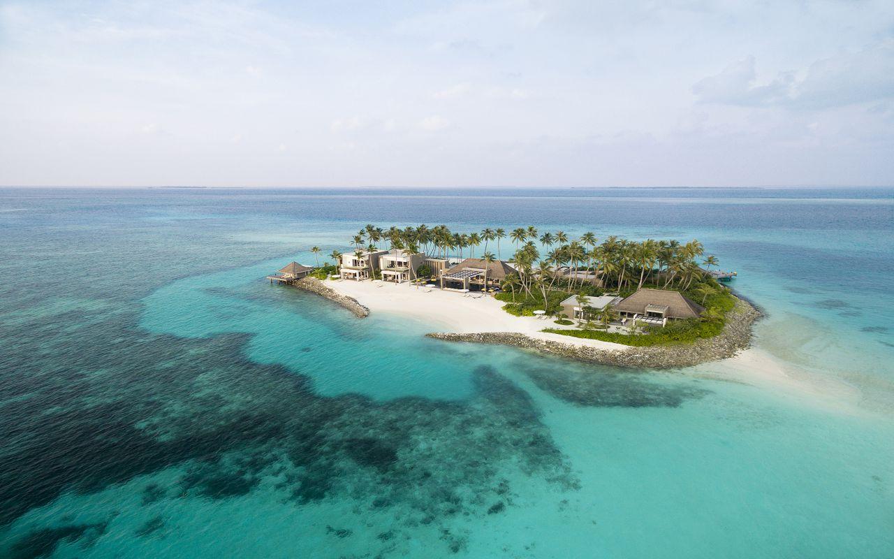 2-4-owner-s-villa-private-island-aerial-dji-0164-f-nannini
