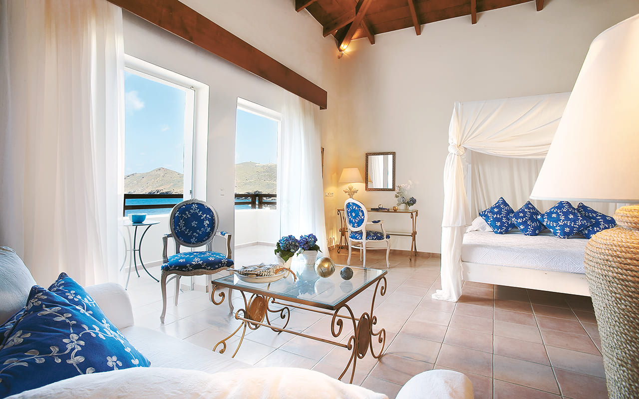 22-Marin-Bay-First-Row-Family-Bungalow-Suite-grecotel mp
