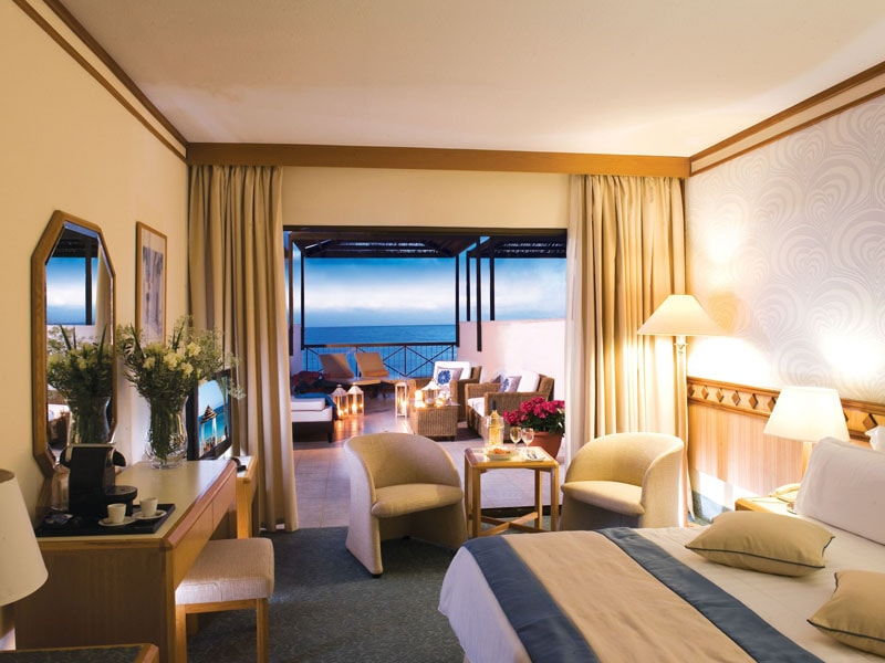23. ATHENA BEACH HOTEL EXECUTIVE SUITE-min