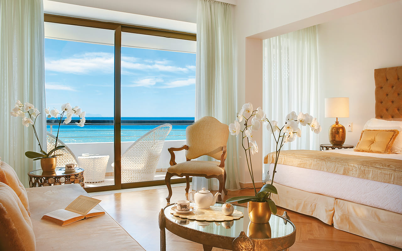 27-Palace-Guestroom-Master-Bedroom-Suite-with-Breathtaking-Views-Over-the-Sea-gcp