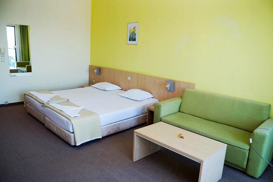 27993589e322a9ae057f053b3b3f1a7d_park-hotel-golden-beach_1