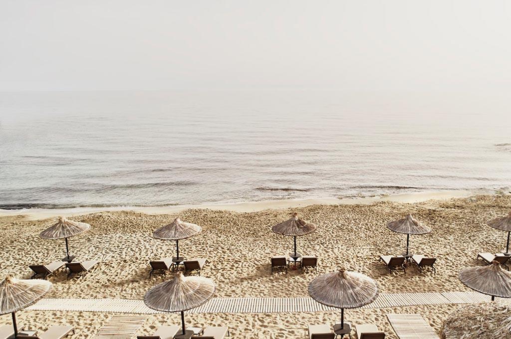 2860_318---Beach