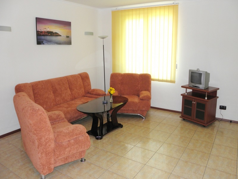 2_5_1-VIP_APP_2_living_room