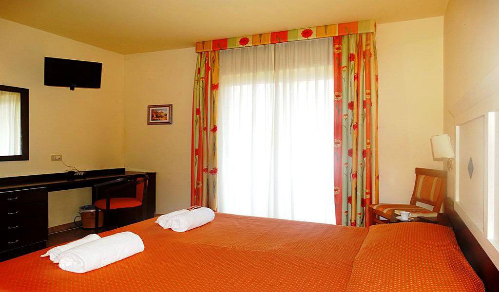 3Hotel San Vincenzo (6)