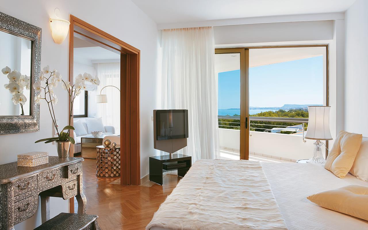 46-Palace-Luxury-Suite-gcp