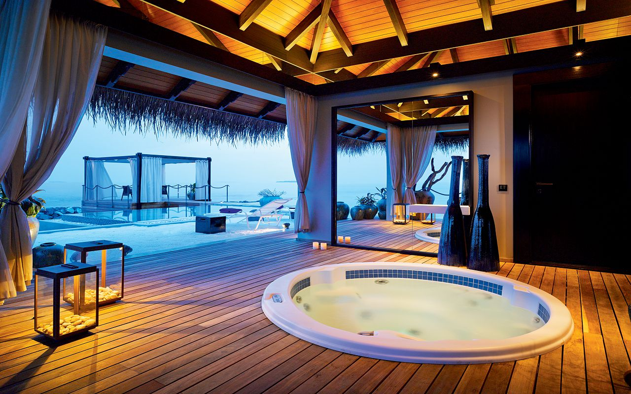 49 - Romantic Pool Residence - Private Spa