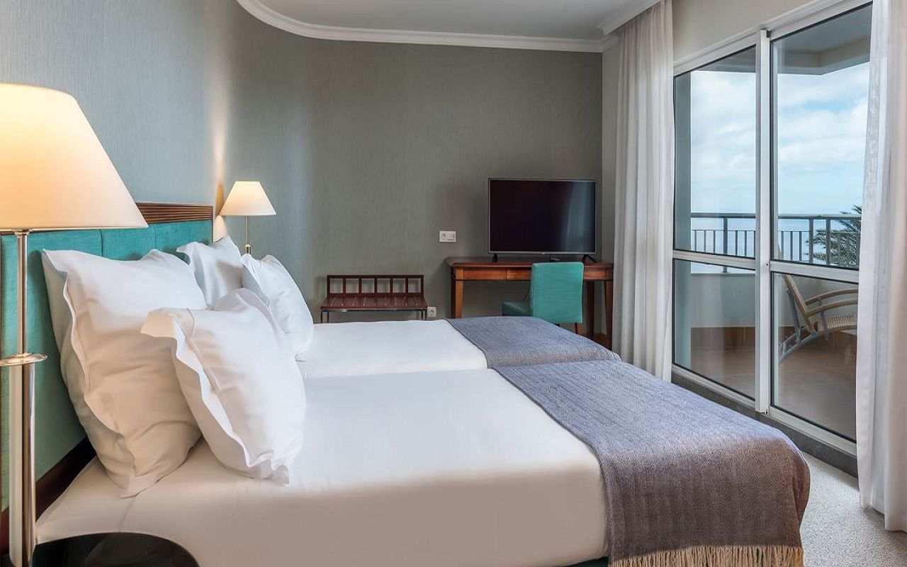 5-star-hotel-madeira-with-spa-suite-t2-rooms