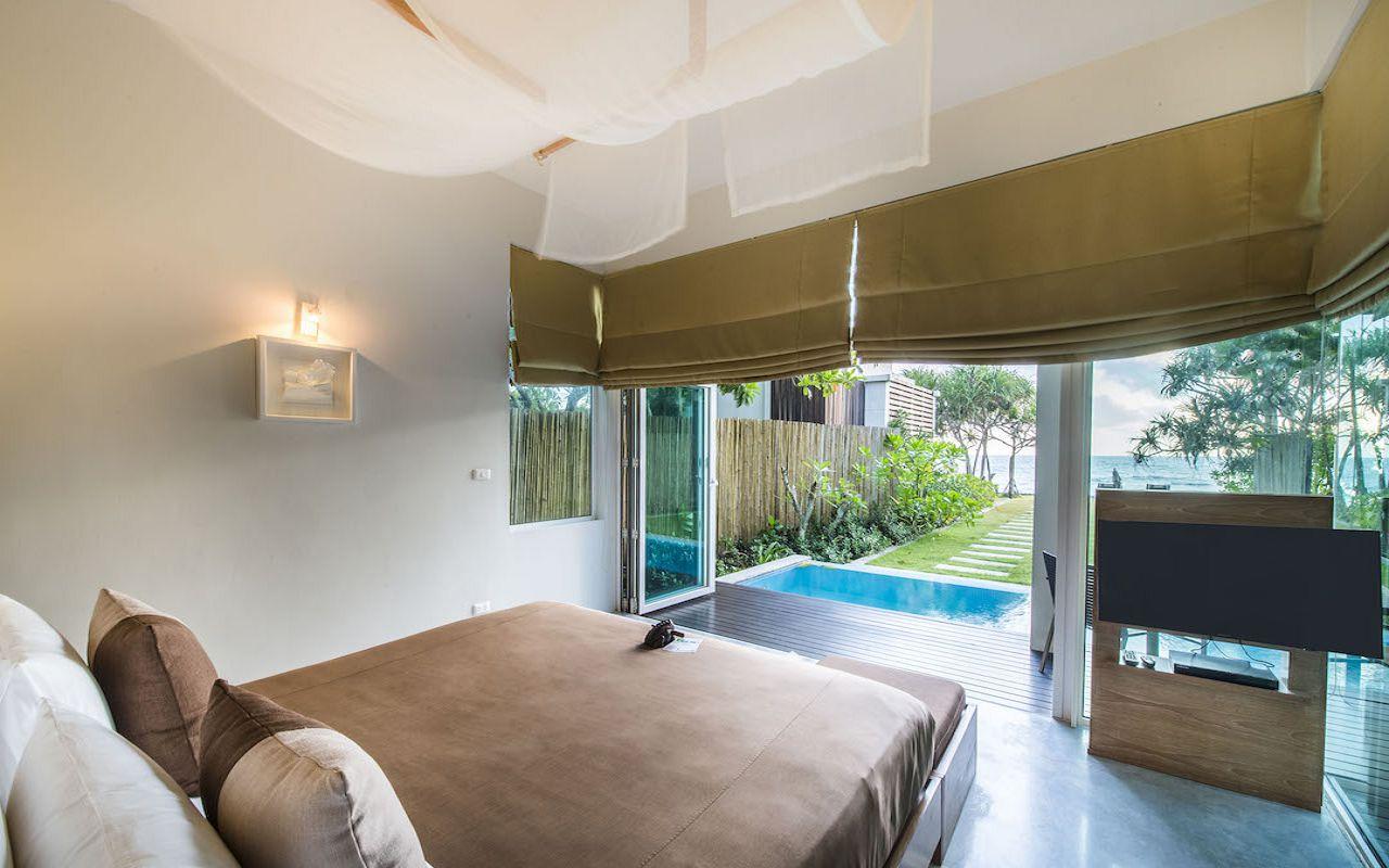 5. Pool_Suite_Bedroom V2