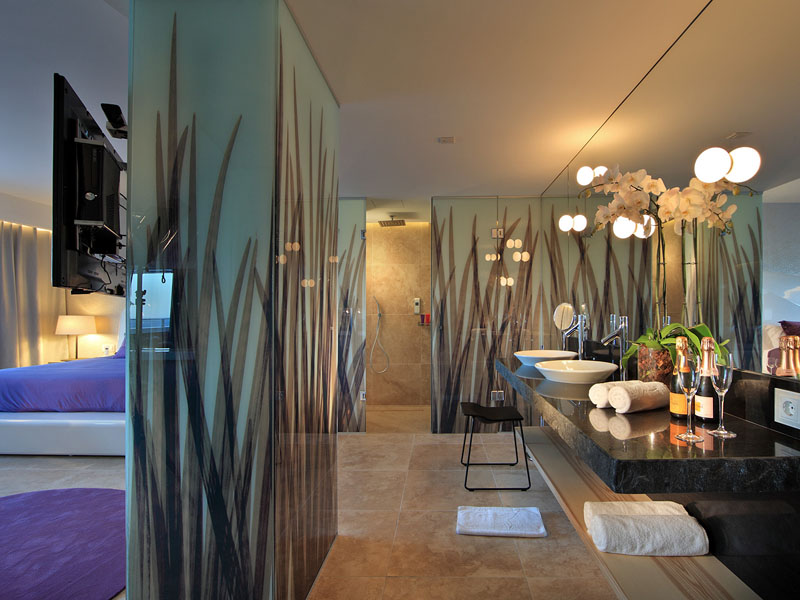 52_ushuaia-beach-hotel-anything-can-happen-suite7