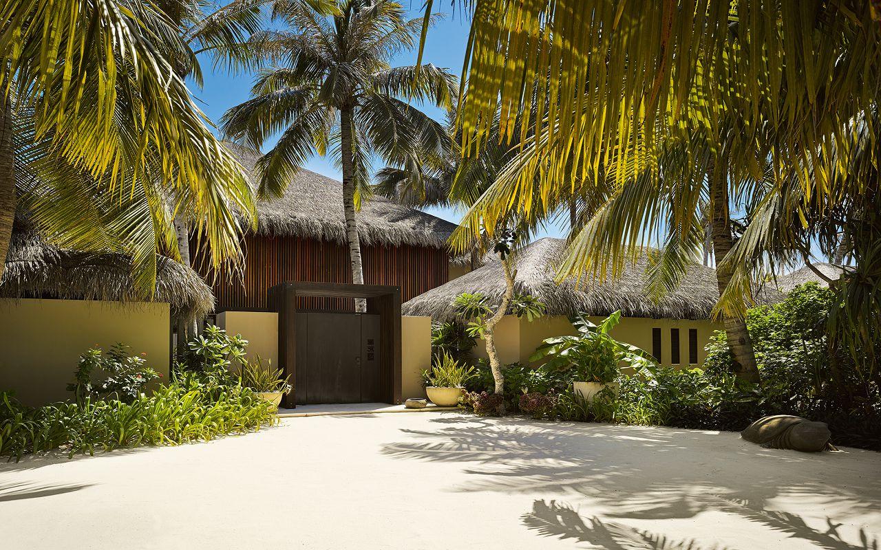 53 - Velaa Private Residence - Main Entrance