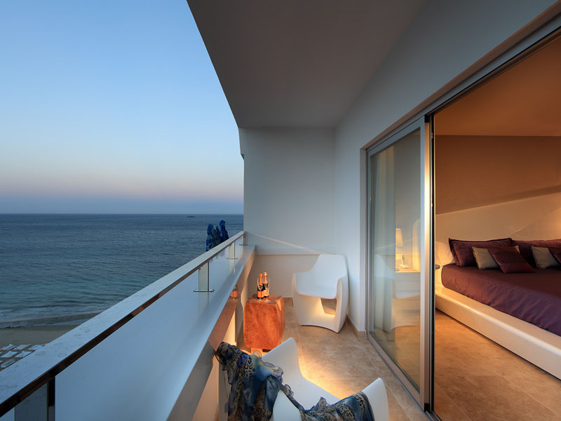 53_ushuaia-beach-hotel-anything-can-happen-suite8