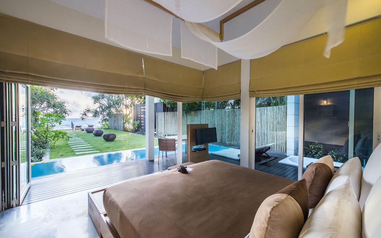 6. Pool_Suite_Bedroom V2