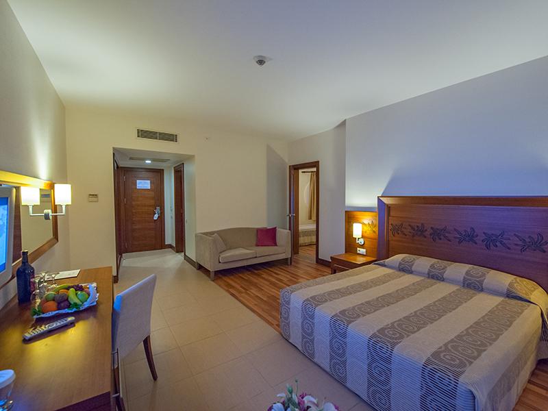 7-family room