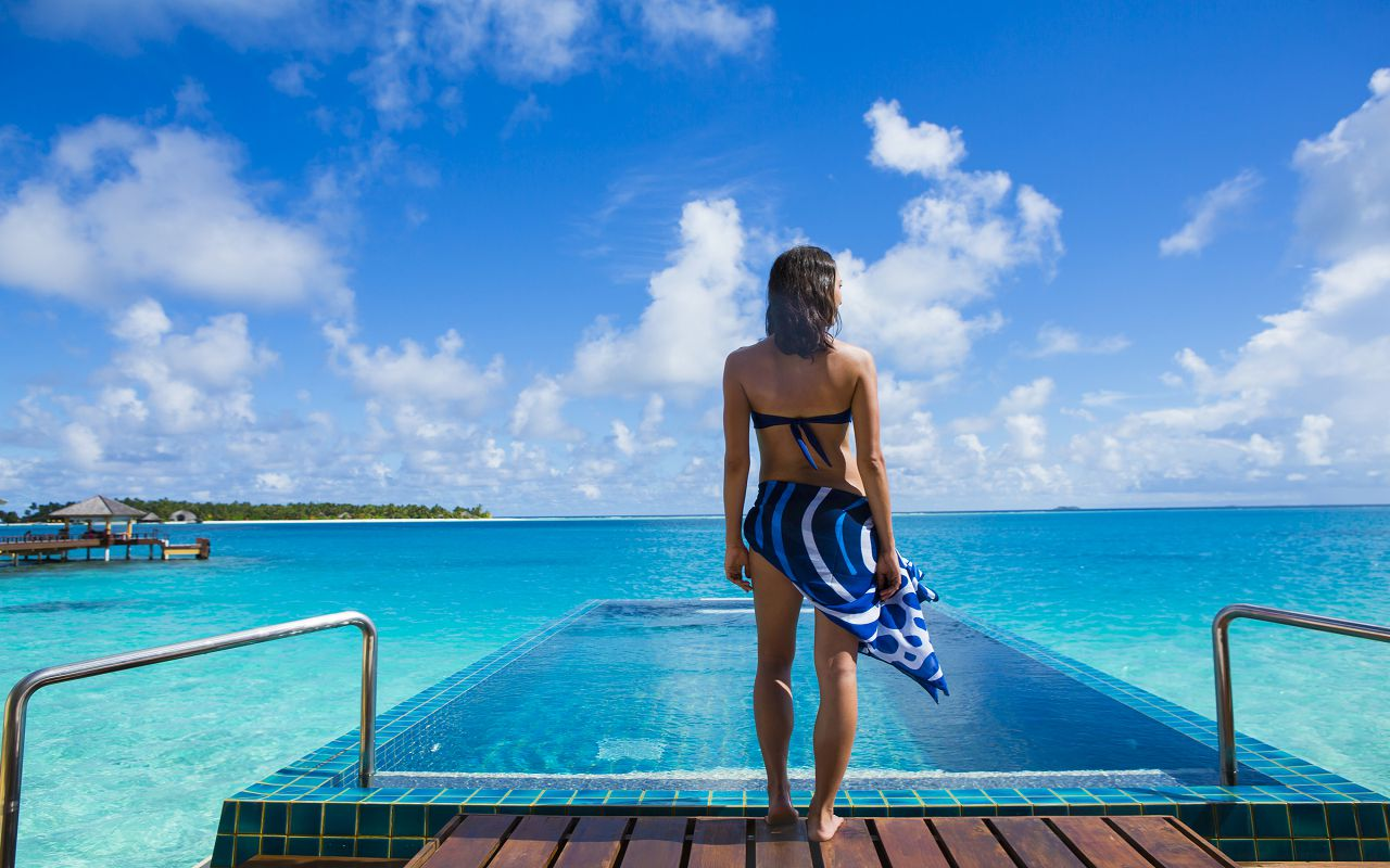 71577217-H1-Angsana_Velavaru_-_InOcean_Sunrise_Pool_Villa_-_Pool