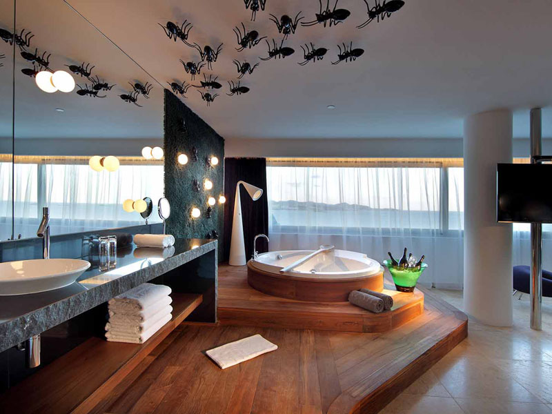 76_ushuaia-beach-hotel-top-of-the-world-suite11