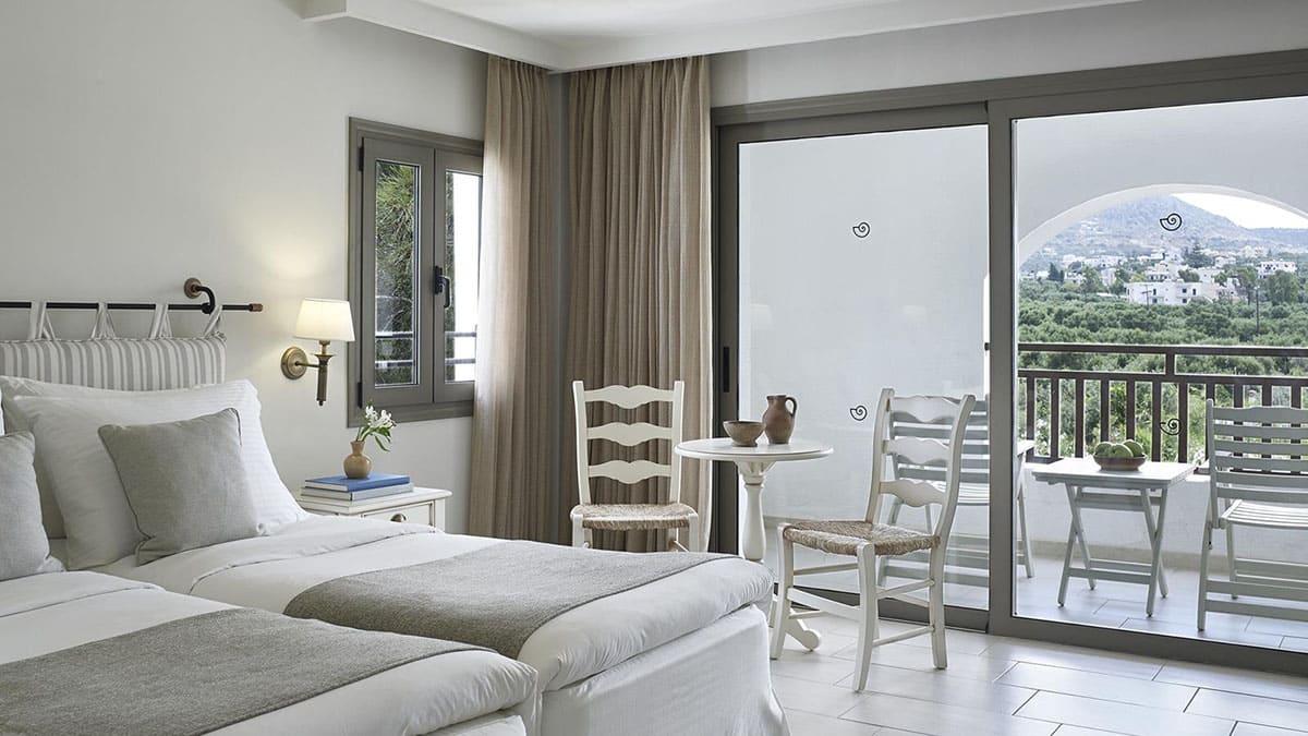 8.-Deluxe-Mountain-Garden-View-Room-Creta Maris