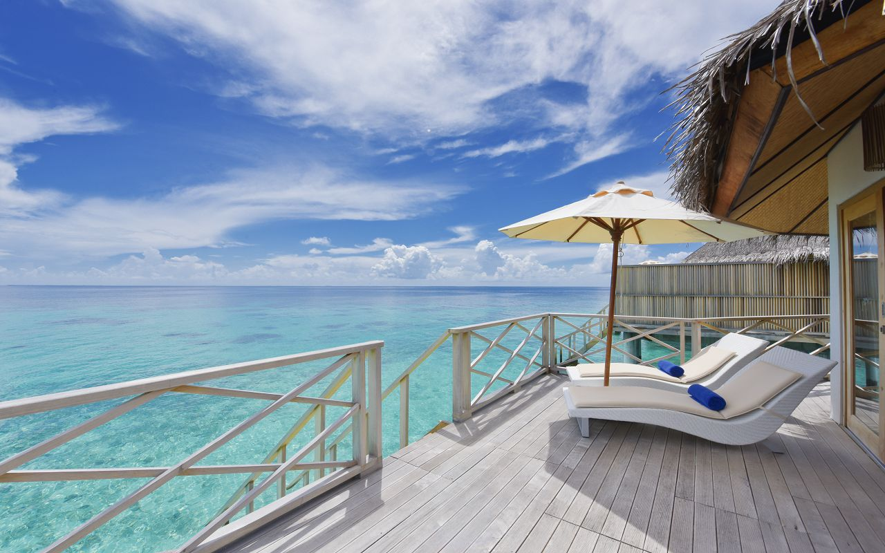 ANG-HRES-Angaga_Resort_Superior_Water_Bungalow10