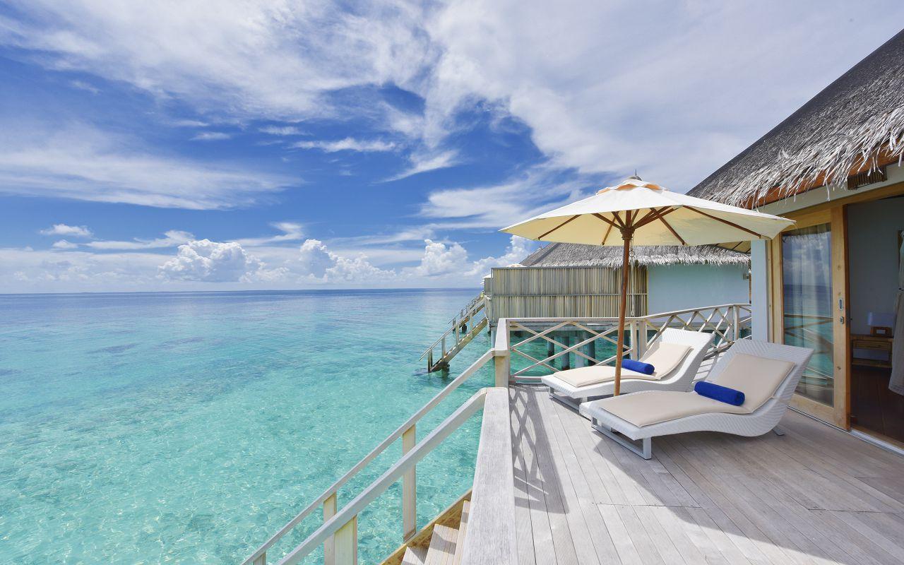 ANG-HRES-Angaga_Resort_Superior_Water_Bungalow11