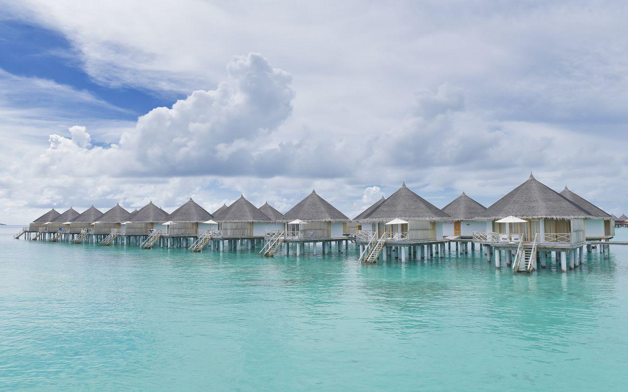 ANG-HRES-Angaga_Resort_Superior_Water_Bungalow13