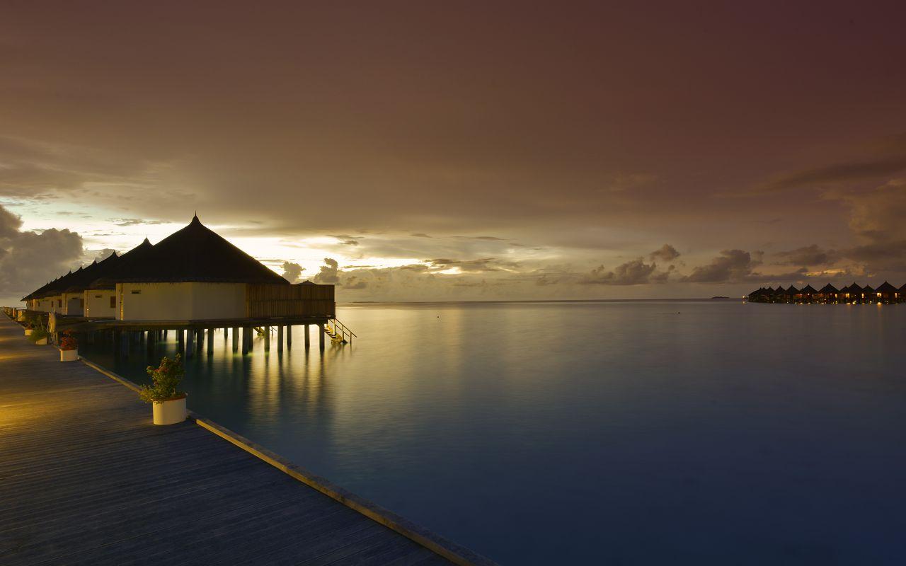 ANG-HRES-Angaga_Resort_Superior_Water_Bungalow16