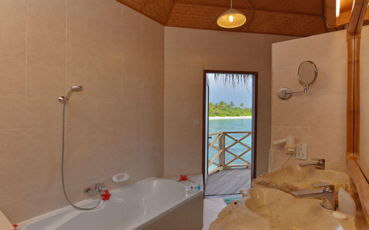 ANG-HRES-Angaga_Resort_Water_Bungalow_Toilet2