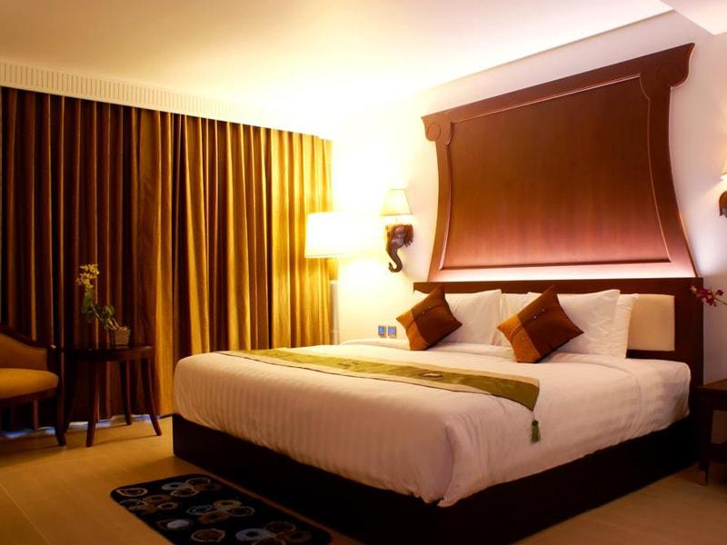 Aiyara Grand Hotel (2)