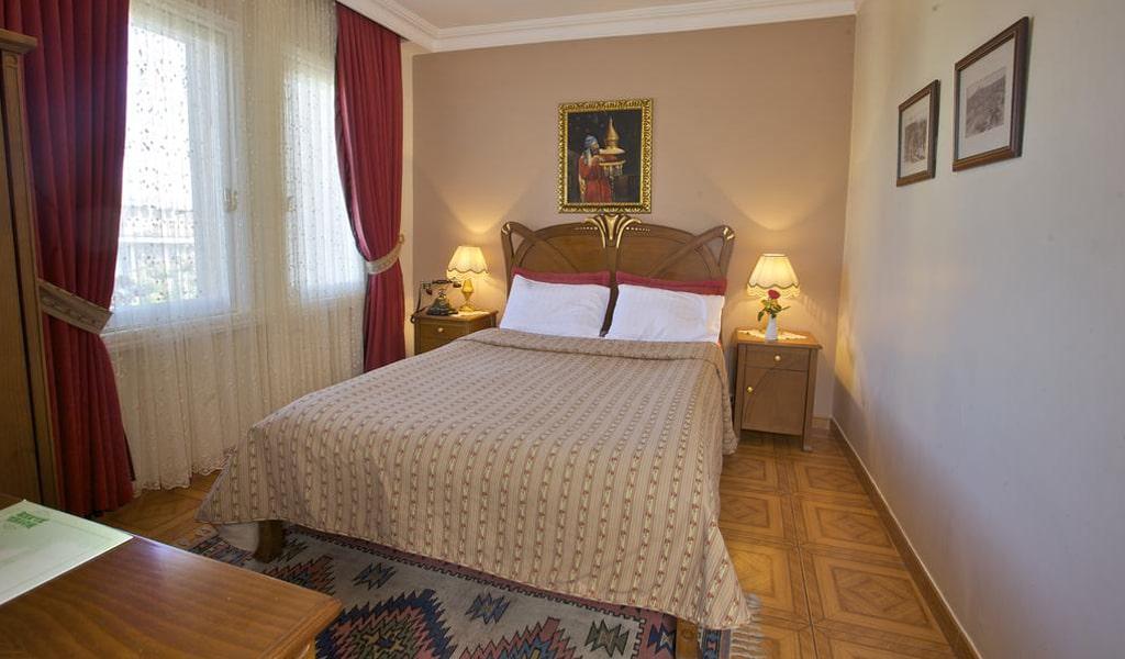 Alzer Hotel (1)
