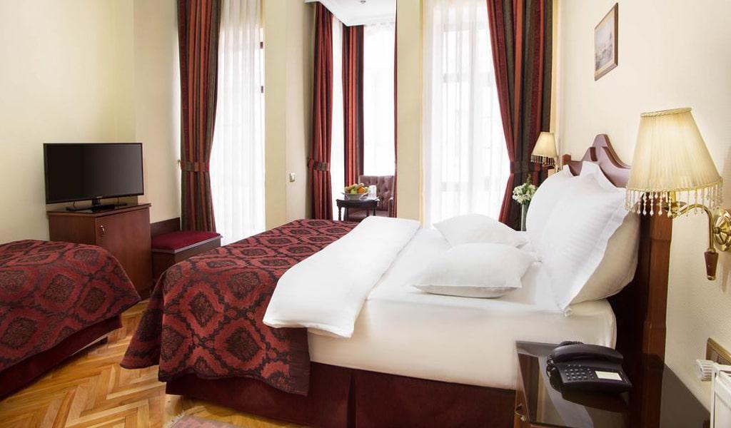 Amber Hotel (8)